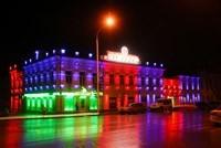Наружное освещение: архитектурное освещение зданий, фасадов дома в Бийске